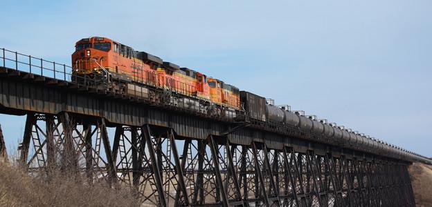 A Bakken crude oil unit train operating on BNSF's mainline. Photo courtesy of BNSF Railway.
